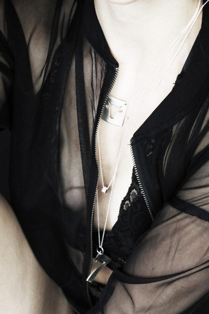 sølvsmykker til henne